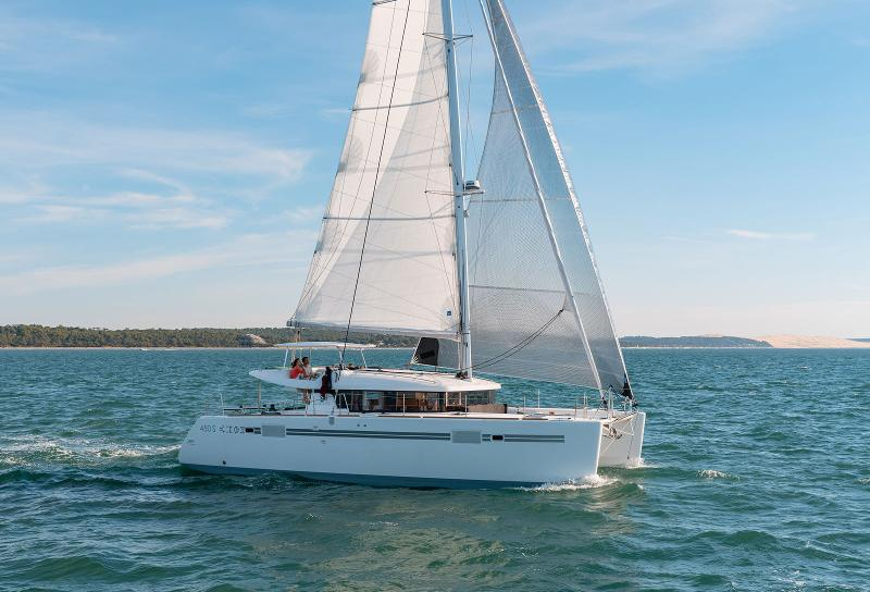 Lagoon 450 Sport / NOMADE feat. A/C and Generator (2020)